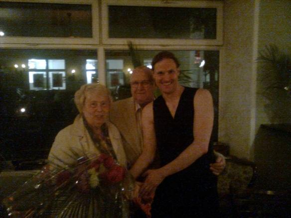 Danilo mit seinen lieben Großeltern, unseren treuesten Winternachtstraum-Fans!