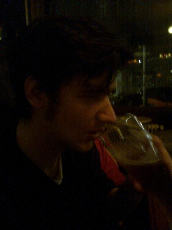 Gabriel trinkt auf das starke Geschlecht. In DAS EXPERIMENT sind das ja die ... ?!